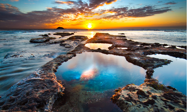 #19105542 - Pools at Maori Bay - © nazmoo  via  Fotolia